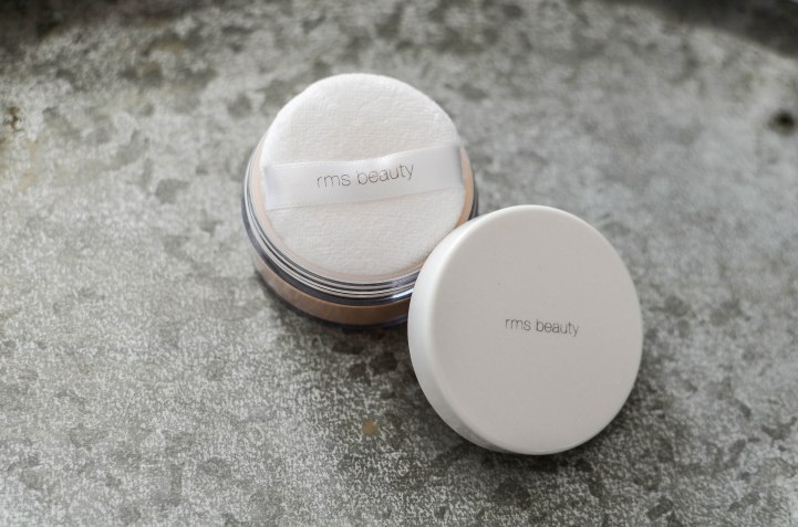 Nachshoppen auf: https://www.biobeautyboutique.com/rms-beauty-tinted-powder-0-1?search=rms&page=3