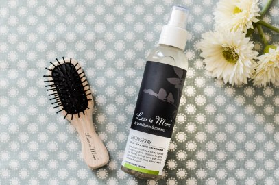 Nachshoppen auf: https://www.biobeautyboutique.com/less-is-more-chitin-spray?search=less%20is%20more