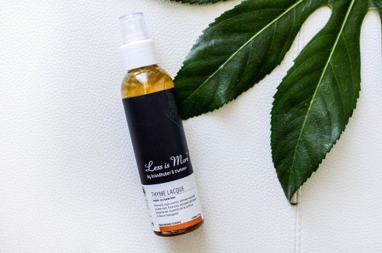 Nachshoppen auf: https://www.biobeautyboutique.com/less-is-more-thyme-lacque?search=less%20is%20more&page=3