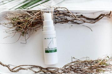 Nachshoppen auf: https://www.biobeautyboutique.com/dr-alkaitis-/dr-alkaitis-eye-cream