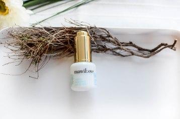 Nachshoppen auf: https://www.biobeautyboutique.com/mawilove/mawilove-04-eye-elixier
