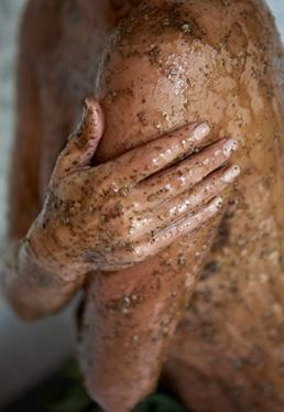 Coffee-Scrub-Homemade-Cellulite-Treatment